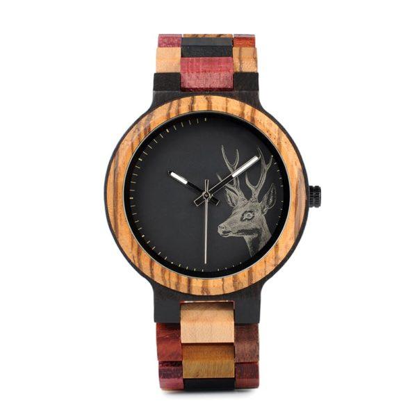 montre en bois a couleurs et cerf cadran