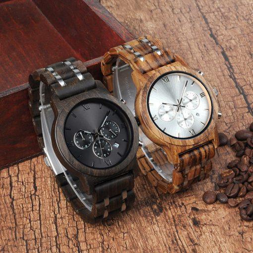 montre en bois luxe a chiffres romains exposition
