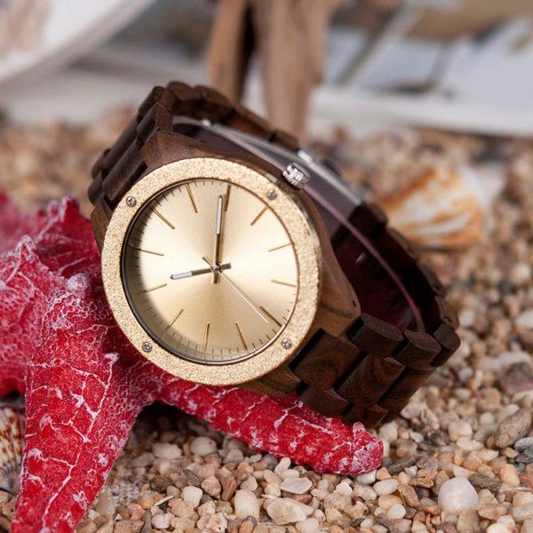 montre en bois luxe moderne dore photo