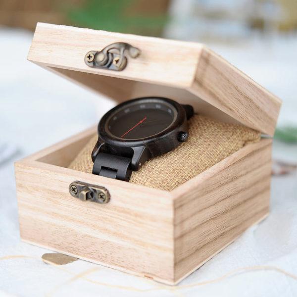 montre en bois sombre authentique boite