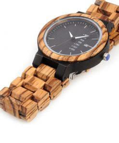 montre en bois style urbain decontracte couchee