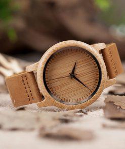 montre en bois traditionnelle aiguilles