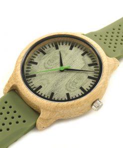 montre en bois vert silicone cadran