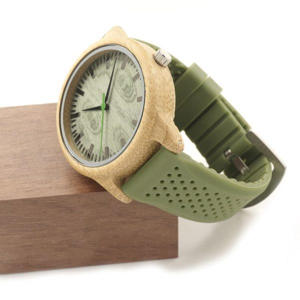 montre en bois vert silicone cote