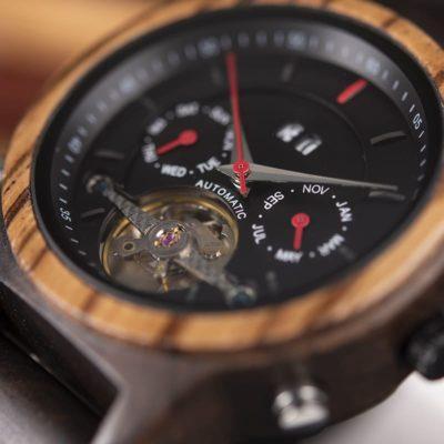 montre en bois mecanique luxe aiguilles