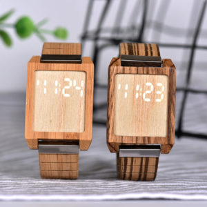 montre en bois numerique